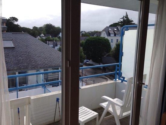 Apartamentos Pierre & Vacances La Corniche de la Plage: Petit balcon avec vue sur les autres appartements