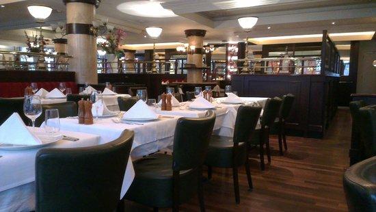 Brasserie FLO Amsterdam : Het restaurant