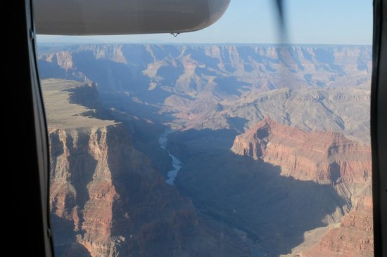 Grand Canyon Airlines - Grand Canyon National Park: Flight over the Canyon