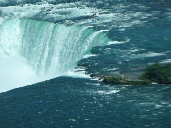 Niagara Falls: Wow look at that white water!!