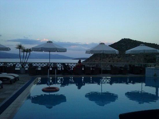 Hotel King Minos: vue sur la baie