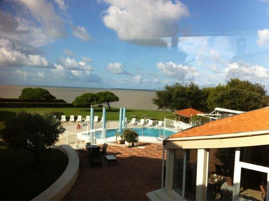 Mercure Les 3 Iles Chatelaillon Plage Hotel : Piscine