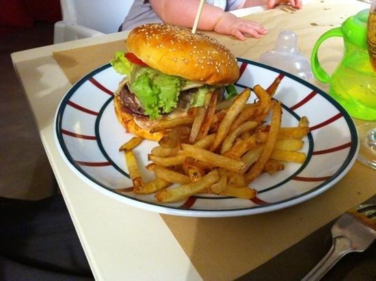 Le Victoria : Victoria burger yum yum yum
