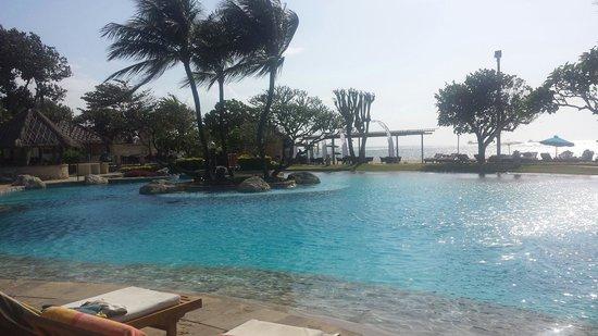 Grand Aston Bali Beach Resort: Resort Pool
