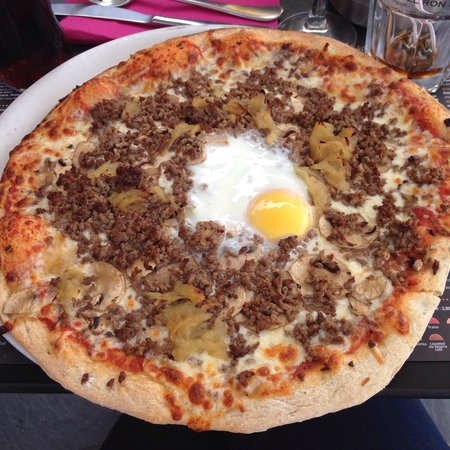 Le Sans Souci: Pizza bolognaise