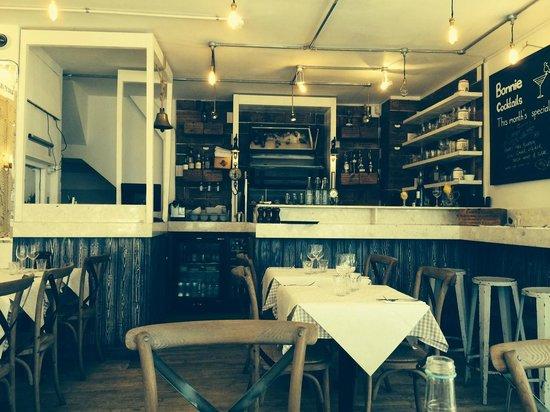 Bonnie Gull Seafood Shack : Internal shot of restaurant