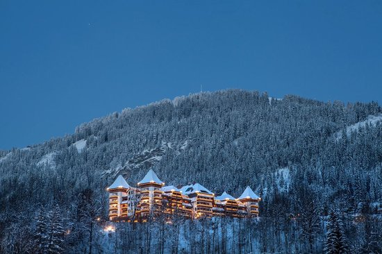 The Alpina Gstaad night View 01