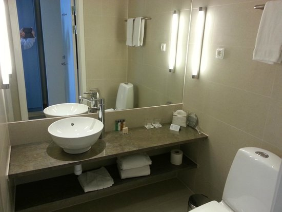 Elite Hotel Ideon: Bathroom