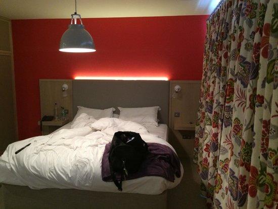 The Fludyers Hotel: Room
