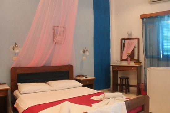 Hotel Thirasia: Номер 4