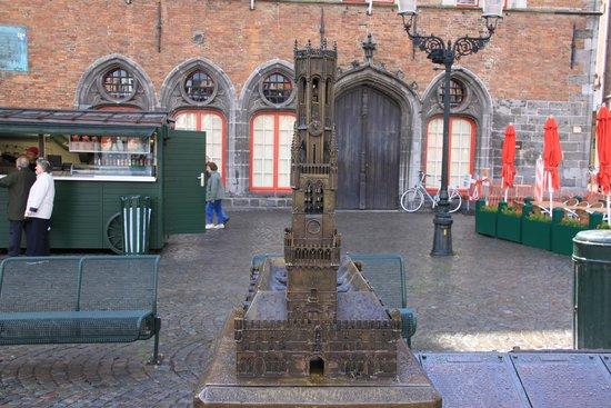 Grand-Place : На рыночной площадь (миниатюра)