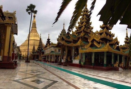 Shwedagon Pagoda: Shwedagon