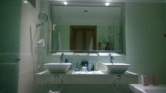Melia Madeira Mare Resort & Spa: Salle de bain