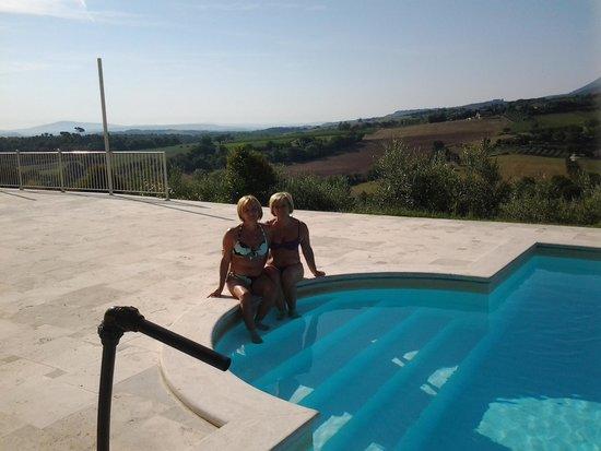 Hotel Del Buono Centro Benessere: Relax in piscina