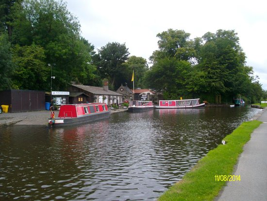 Star & Garter Hotel: linlithgow canal-just up from train station and hotel-goof for a nice walk along the water