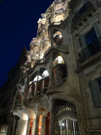 Excursions Barcelona : All about Gaudi
