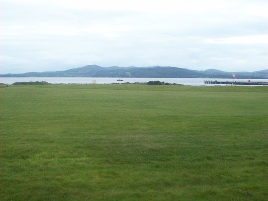 Inishowen Gateway Hotel: The view from the Bar,breathtaking.