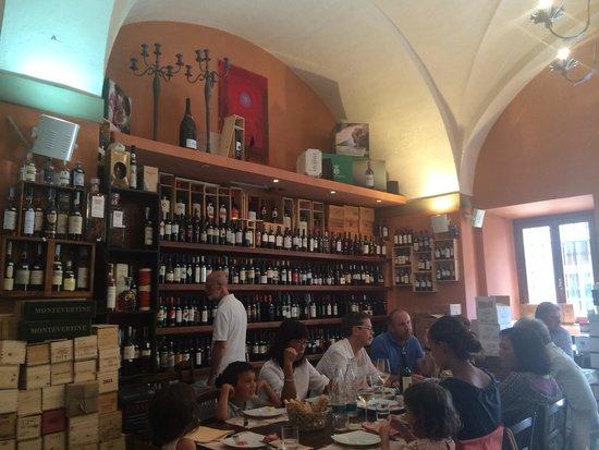Enoteca Tognoni: Incroyable variété de vins!