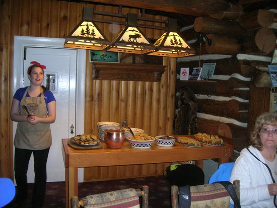 Taku Glacier Lodge & Wings Airways: Our chef announcing!