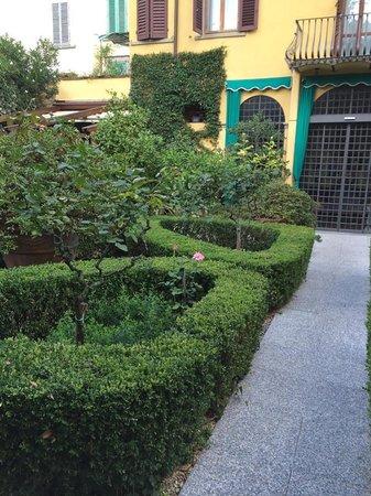 Hotel Monna Lisa: Trägården