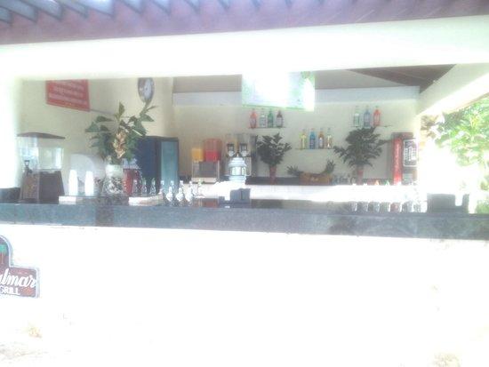 BelleVue Dominican Bay: Los bares