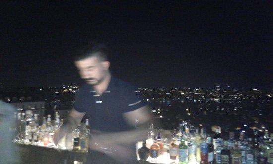 NuTeras: bar by night