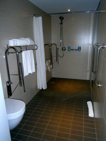 Aloft Brussels Schuman Hotel: servizio