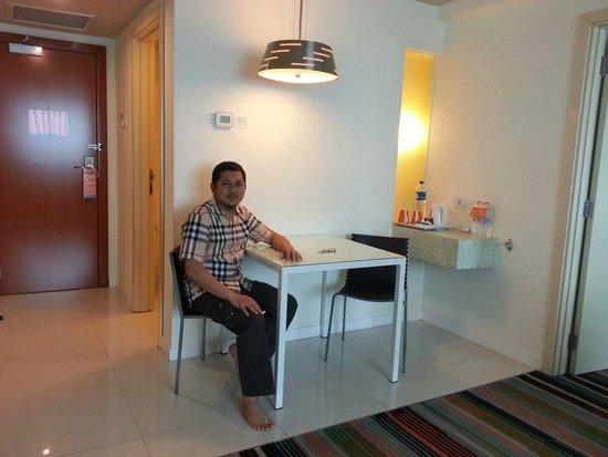 HARRIS Hotel & Conventions Kelapa Gading Jakarta : Junior Suite. .