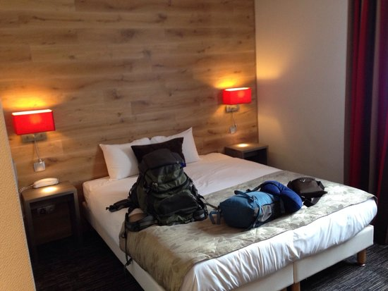 Hotel Turenne : Our room--loved it!