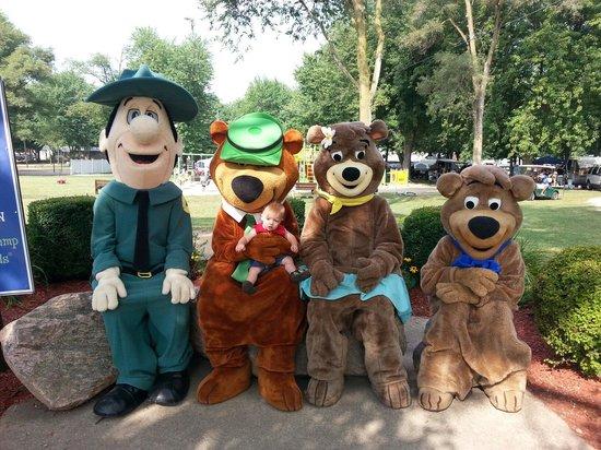 Yogi Bear's Jellystone Park Camp Resort at Barton Lake: Picture time