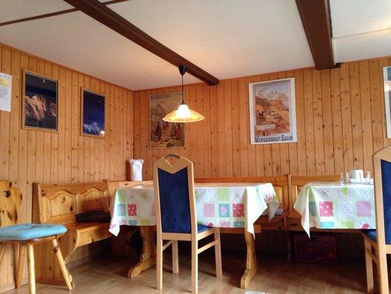 Chalet Fontana: Common room/breakfast area