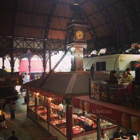 Mercado del Puerto: Vista interna do Mercado