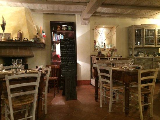 Fattoria di Corsignano: Breakfast indoor room