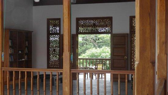 Niyagama House: La vue sur l'espace intérieur