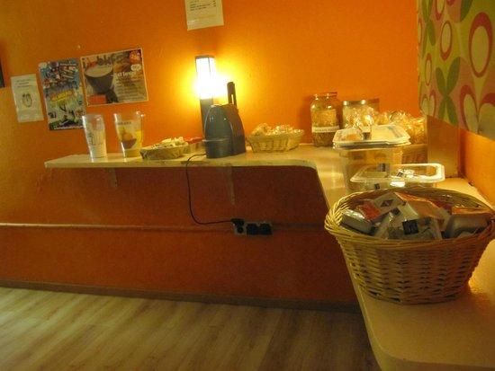 Yellow Nest Hostel Barcelona: Desayuno