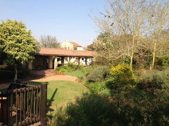 La Vue Guesthouse: The garden and rooms