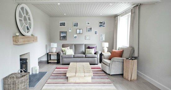 Finn Lough : Premium Lodge Lounge
