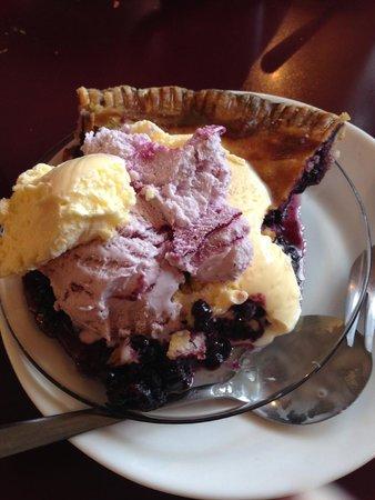 The Blue Bird Ranch Restaurant: The best blueberry pie!
