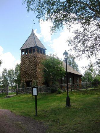 Knappgarden Pension & Restaurant: Old Wooden Church at Sarna