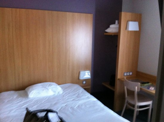 B&B Hotel Narbonne 1 : Chambre double b&b narbonne 1