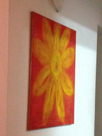Osteria Piazza Sordello 26: Un quadro di arredo della sala...