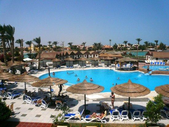Panorama Bungalows Resort El Gouna : вид со стороны ресторана
