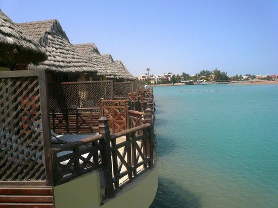 Panorama Bungalows Resort El Gouna : вид на канал с террасы бунгало