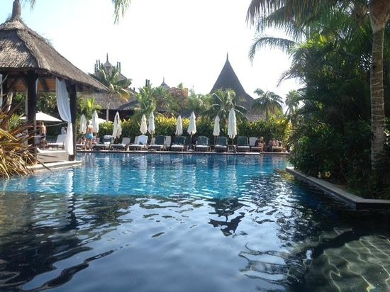 Asia Gardens Hotel & Thai Spa, a Royal Hideaway Hotel : View of one of the pools