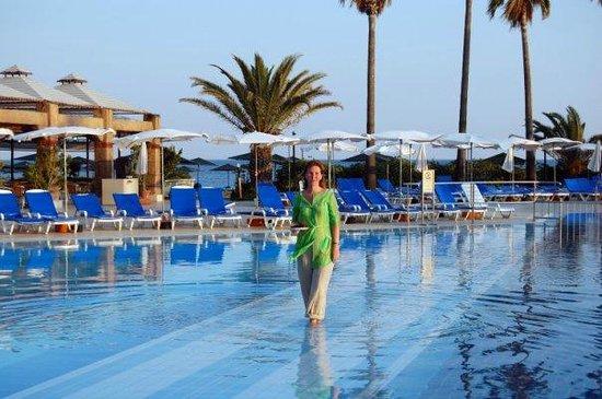 Adora Golf Resort Hotel: чистый и теплый