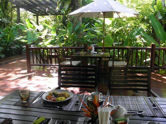 Marina Phuket Resort : завтраки в ресторане Сала Тай