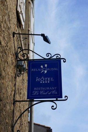 Relais Royal : Hotel Entrance