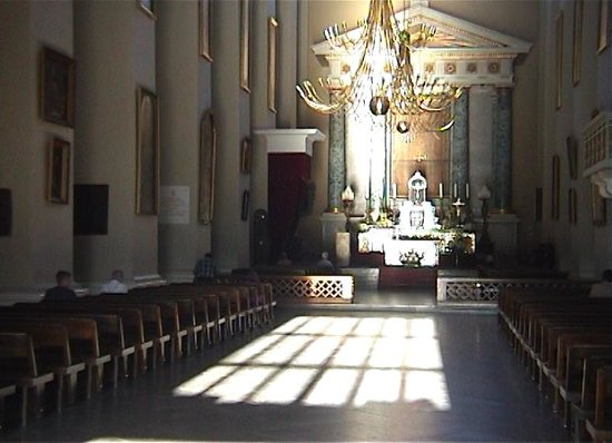 Cathedral (Arkikatedra Bazilika): Sunlight flooding into the Cathedral