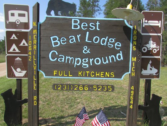 Best Bear Lodge & Campground: our sign
