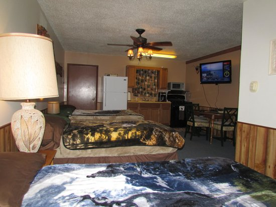 Best Bear Lodge & Campground: Enjoy a comfortable suite